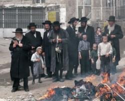 Peszach, Jerusalem, Mea Searim, ortodox Juis old taan. Israel. Chatzot.