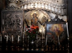 Tomb of Christ_holy sepulchre_calvary 14th station_holy sepulchre_tomb of jesus_anastasis_chapel of the angel