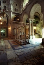 Holy Sepulcher_Holy Land_Holy Prison_Tomb of Christus_Stone of the Unction_Golgotha_Roman Catholics_Greek orthodox_