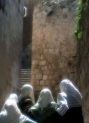 Jerusalem old City, suk, arab wumen,
